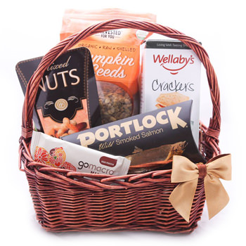 Cayman Islands bunga- Take the Trails Gift Basket Bunga Penghantaran