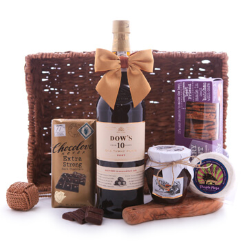 Guadeloupe online Florist - Dows 10 Porto and Goodies Gift Basket Bouquet