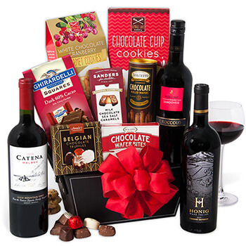Italy flowers  -  Holidays in the Dark Baskets Delivery