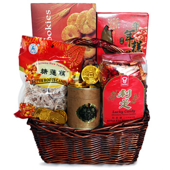 Delhi online Florist - Lucky Candy Basket Bouquet