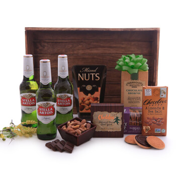 Munich online Florist - Stella Artois Sweet and Savory Basket Bouquet