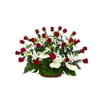 Saint Kitts And Nevis online Florist - A Mix of Classics Bouquet