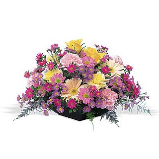 Oslo online Florist - Natural Beauty Flower Basket Bouquet