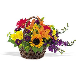 Oslo online Florist - Flower Basket For Happy Day Bouquet