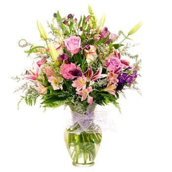 Guadeloupe flowers  -  Blooming Romance Flower Delivery