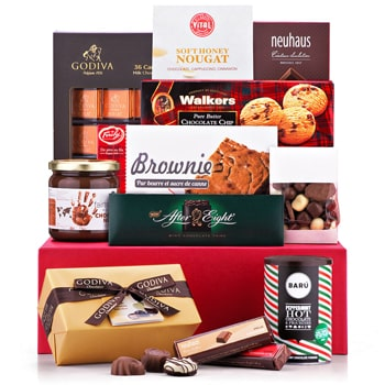 Norway flowers  -  Chocolate Lover Deluxe Gift Set Baskets Delivery