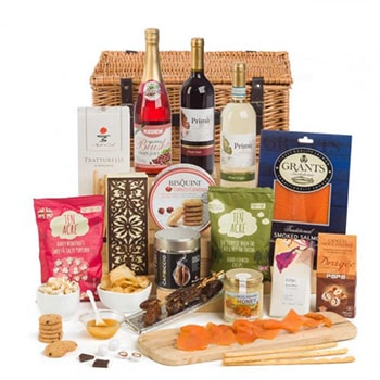 Leeds, United Kingdom flowers  -  Deluxe Kosher Picnic Baskets Delivery