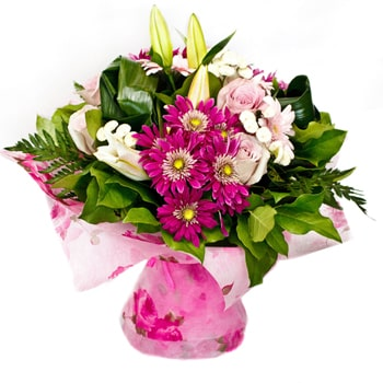 Moscow flowers  -  Exalted Breeze Baskets Delivery