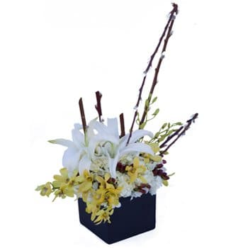 Auckland online Florist - Flowers and Art Centerpiece Bouquet