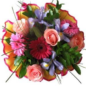 Luxembourg flowers  -  Gardener Delight Bouquet Baskets Delivery