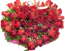 Dominica online Florist - Rose Heart Bouquet