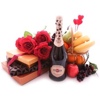 Martinique online Florist - Sweet Tooth Premium Bouquet