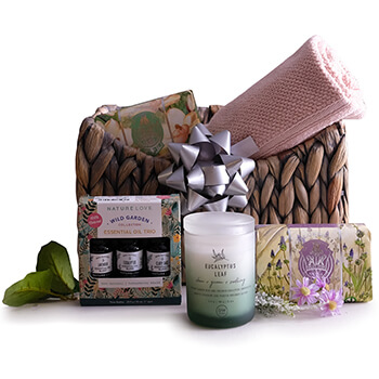 Bāglung online Florist - The Bath Basket Bouquet