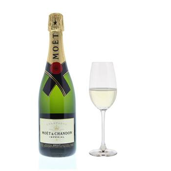 Arlington flowers  -  Moet and Chandon Imperial with Flutes Gift Se Baskets Delivery