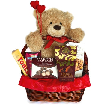 Saint Petersburg flowers  -  The Love Story Baskets Delivery