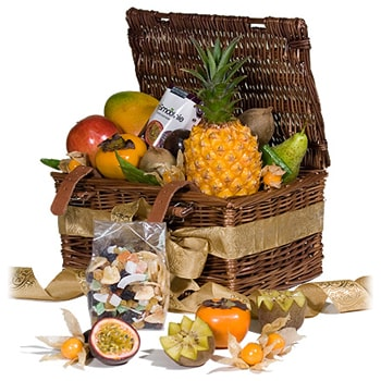 Oslo online Florist - Tropical Fruit and Gourmet Snacks Bouquet