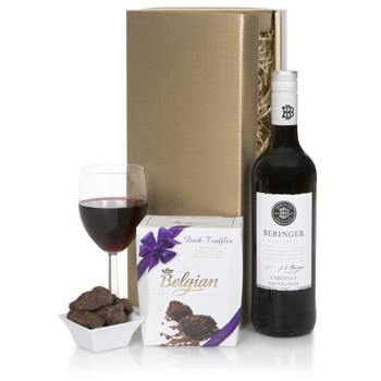 Bradford flowers  -  Cabernet and Chocolate Gift Set Flower Delivery