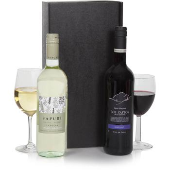United Kingdom flowers  -  Classic Duet Wine Set Baskets Delivery