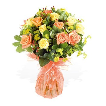 United Kingdom flowers  -  Friendly Gestures Bouquet Baskets Delivery