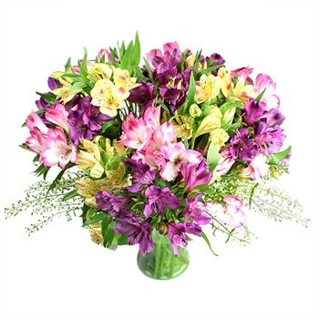 United Kingdom flowers  -  Garden Dreams Bouquet Baskets Delivery