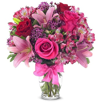 Long Beach flowers  -  A Burst Of Pink Baskets Delivery