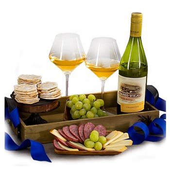 Oakland flowers  -  Charming Chardonnay Basket Baskets Delivery