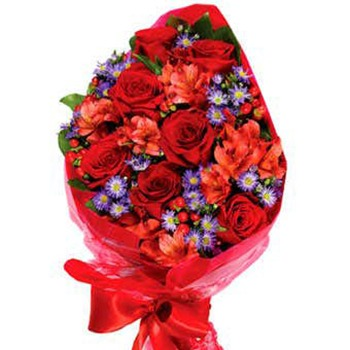 Long Beach flowers  -  Dramatic Romance Baskets Delivery