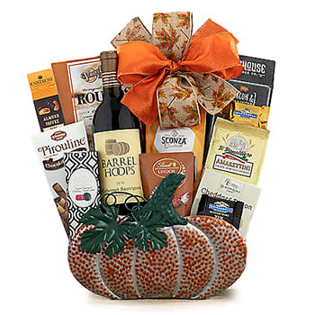 Columbus flowers  -  Wine Halloween Gift Set Baskets Delivery