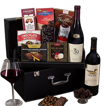 USA, United States online Florist - Sophisticates Wine Case Bouquet