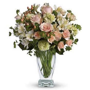 Long Beach flowers  -  Towering Roses Baskets Delivery