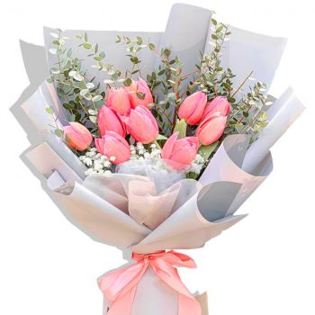 Prague online Florist - Love Expression Bouquet