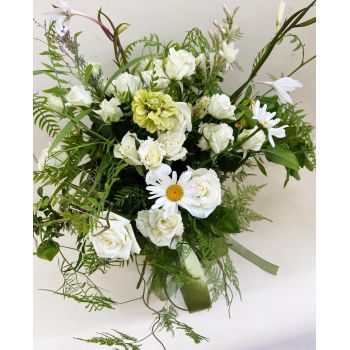 Algiers online Florist - Flower letter with sweets Bouquet