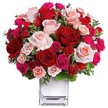 Moore Town flowers  -  LOVE MEDLEY  Flower Delivery