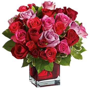 Spanish Town flowers  -  MADLY IN LOVE BOUQUET Flower Delivery