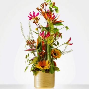 Oisterwijk flowers  -  Colorful flower arrangement Delivery