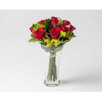 Salvador online Florist - Arrangement of 10 Red Roses in Vase Bouquet