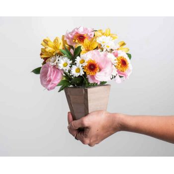 Patos flowers  -  Colorful Field Flowers Arrangement	 Delivery
