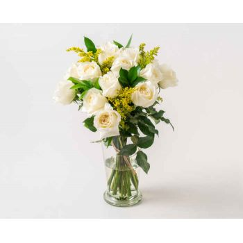 Marabá flowers  -  Arrangement of 15 White Roses in Vase Flower Delivery