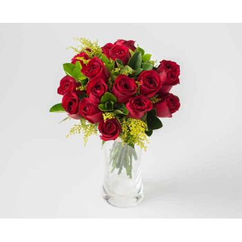 Belém online Florist - Arrangement of 18 Red Roses and Vase Foliage Bouquet