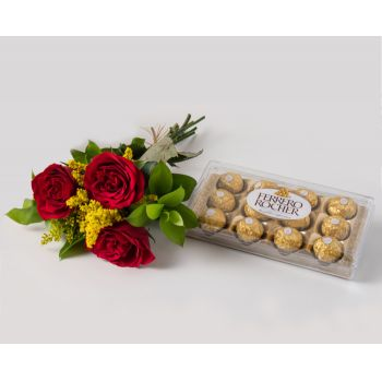 Salvador online Florist - Arrangement of 3 Red Roses and Chocolate Bouquet