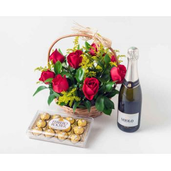 Salvador online Florist - Basket with 9 Red Roses, Chocolate and Sparkl Bouquet