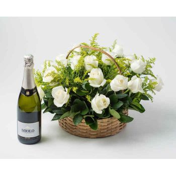 Salvador online Florist - Basket with 24 White Roses and Sparkling Wine Bouquet