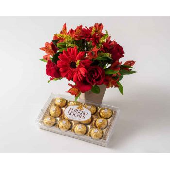 Salvador online Florist - Arrangement of Mixed Red Flowers and Chocolat Bouquet