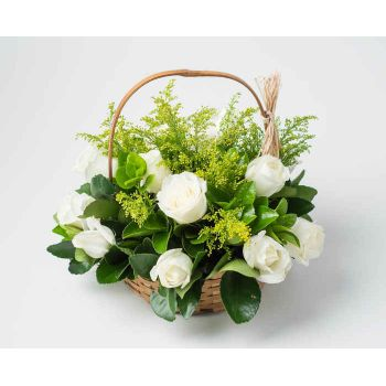 Salvador flowers  -  Basket with 15 White Roses Flower Bouquet/Arrangement