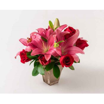 Fortaleza flowers  -  Arrangement of Lilies and Red Roses Flower Bouquet/Arrangement