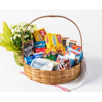 Belém online Florist - Coffee Basket with Chocolate and Flowers Bouquet
