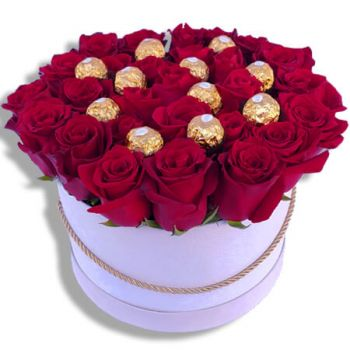 Santa Cruz das Flores flowers  -  Love at first sight  Flower Delivery