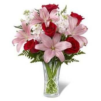 Saint-Nicolas flowers  -  Blushing Beauty Flower Delivery
