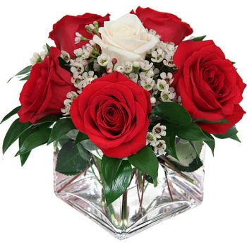 Abu Dhabi flowers  -  Amore Flower Bouquet/Arrangement