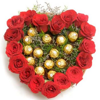 Gardens flowers  -  Sweet Roses Heart Flower Delivery